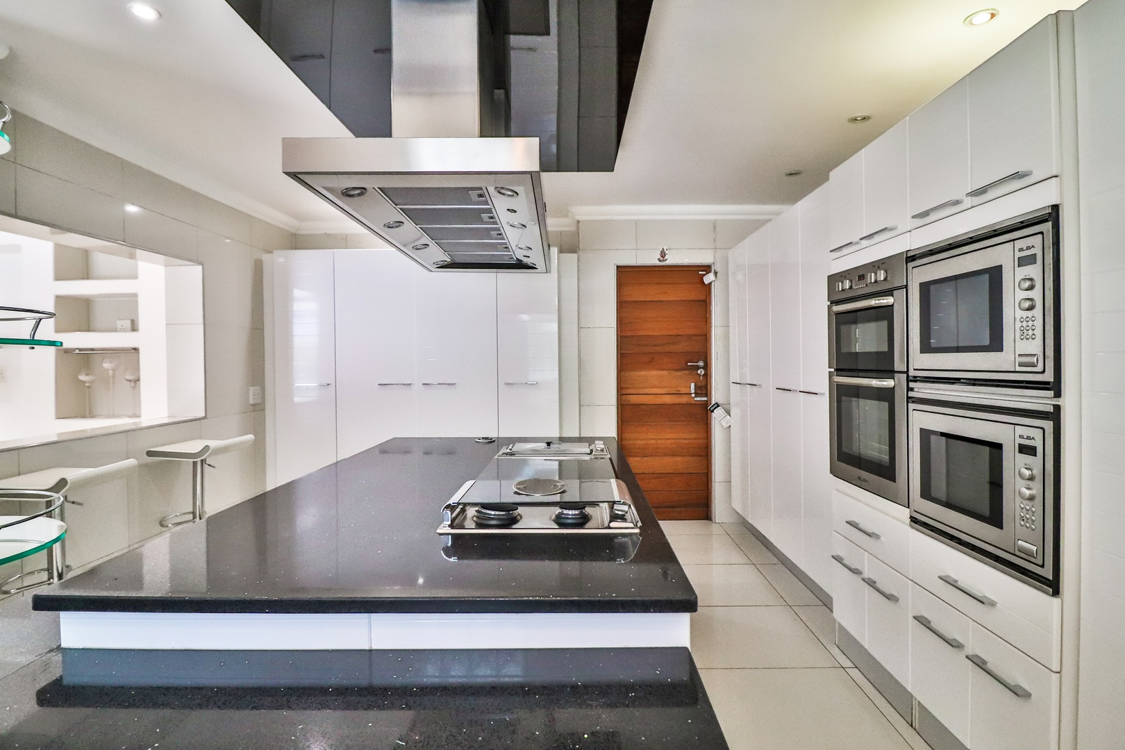 House in Kosmos Village - Kitchen has top of the range finishes