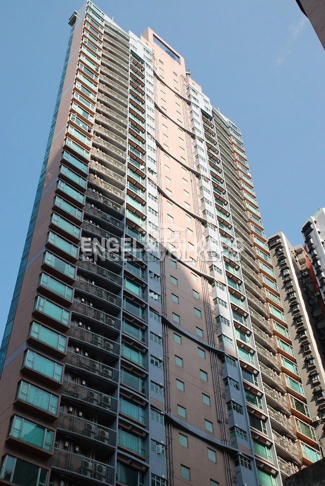 Apartment in Mid Level West - Casa Bella 寶華軒