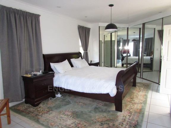 House in Ramsgate - 009 - Main bedroom.JPG