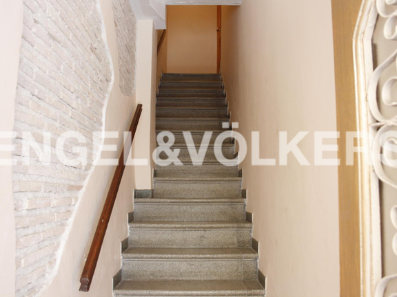 House in Dénia Centro Urbano - Beautiful townhouse in the heart of Denia. Entry staircase