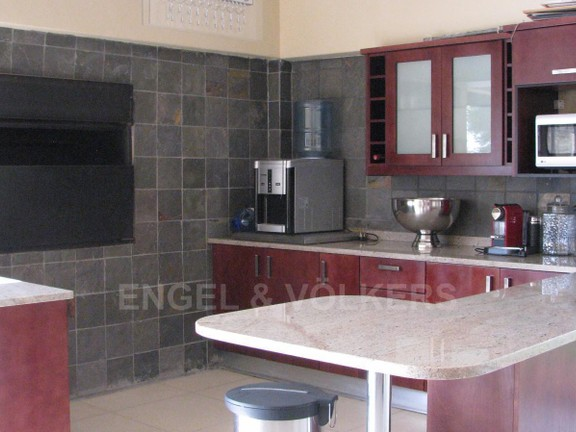 House in Melodie A/h - Bar area with built-in braai, gasbraaier and granite tops