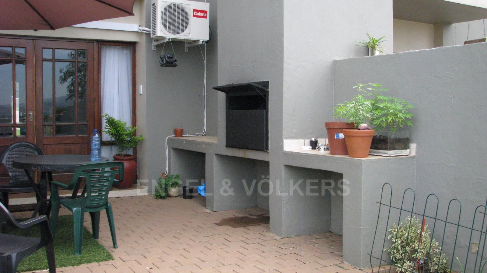House in Melodie - Enclosed garden area