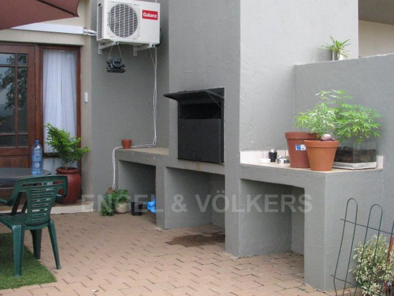 Apartment in Melodie - Enclosed garden area