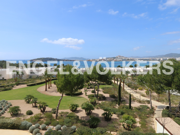 Incomparable penthouse with access to the beach of Talamanca