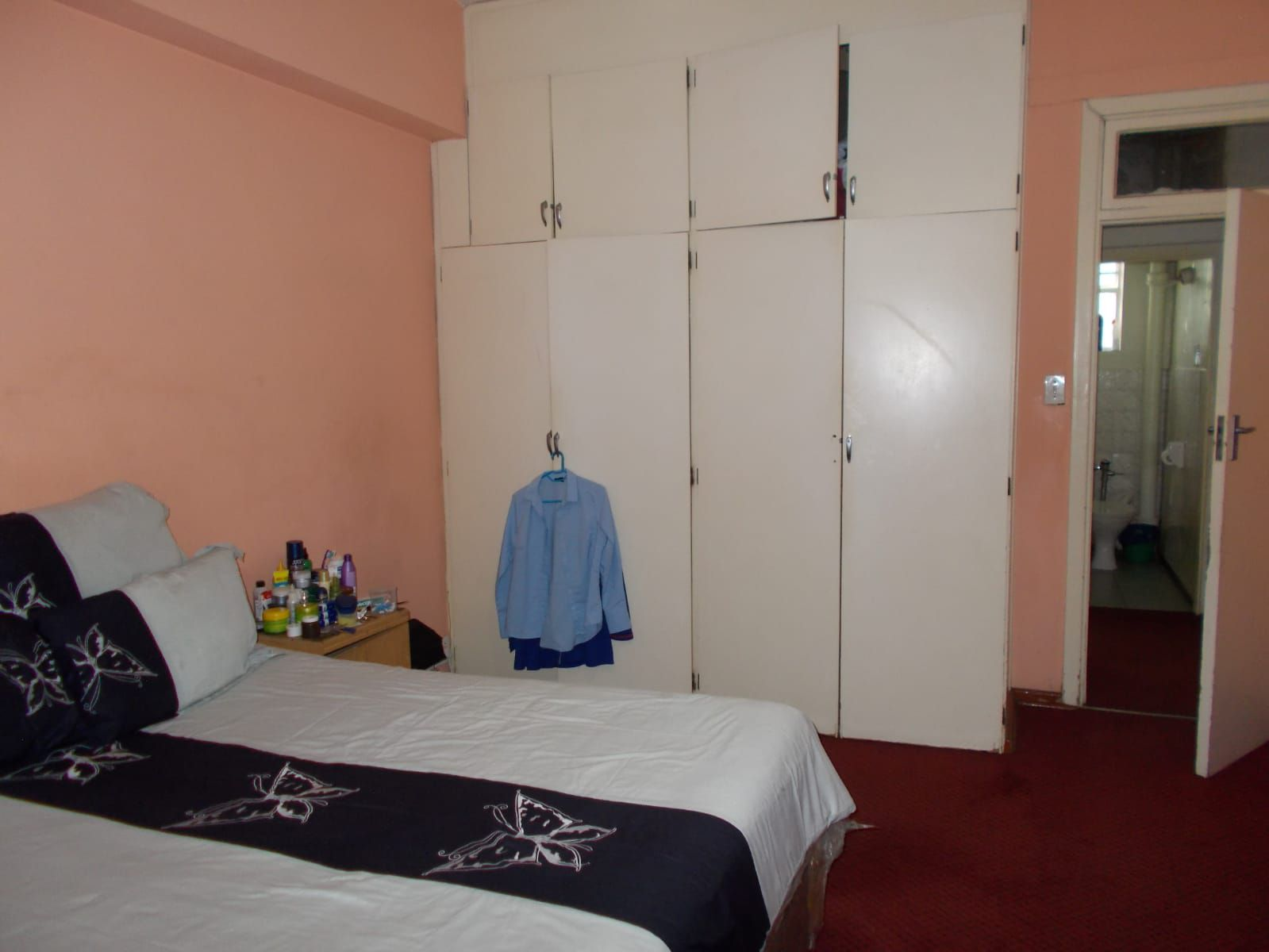 Apartment in Hillbrow - WhatsApp Image 2021-01-12 at 13.04.40.jpeg