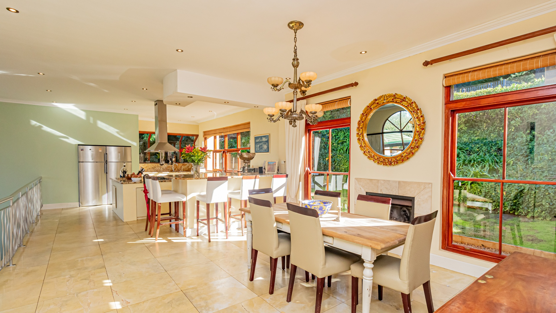 House in Hout Bay - Dining area