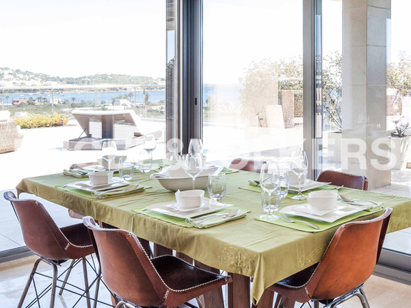 Condominium in Ibiza - Dining space enjoying sea views