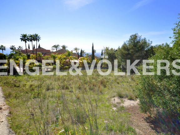 Plot for sale in Sierra Blanca, Marbella