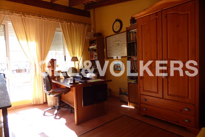 House in Alfafar - office furniture