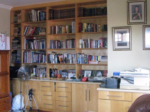 House in Melodie A/h - Built in cupboards in the study
