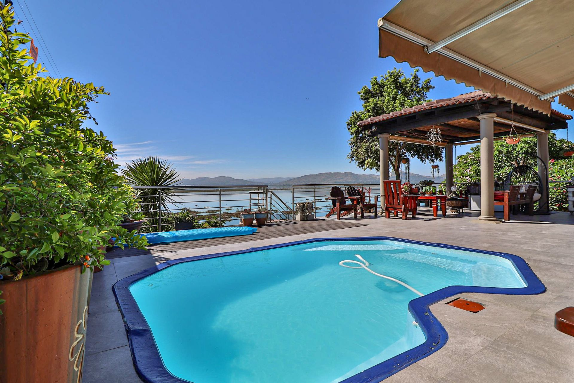 House in Kosmos Village - Pool set in patio overlooking the dam
