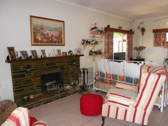 House in Southport - 004_Fire_place.JPG