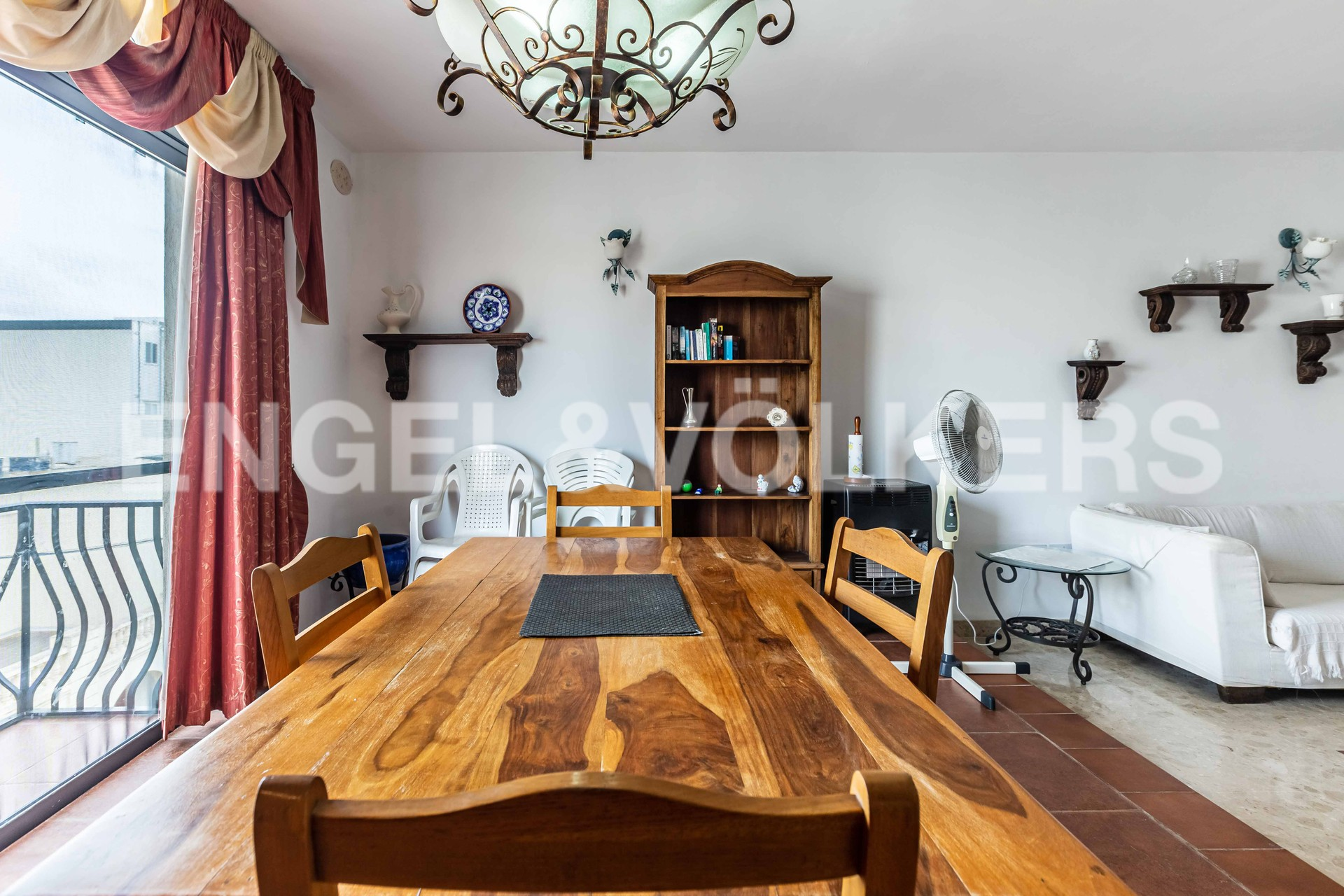 Apartment in Mellieha - Dining Area/living Room