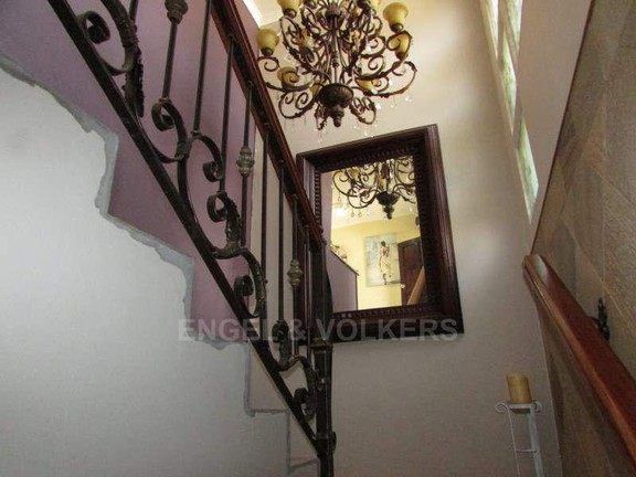 House in Uvongo - 008 Staircase.JPG