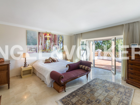 House in Altos Reales - Master Bedroom