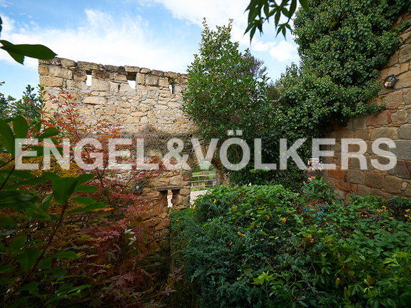 House in Ulía - Historical wall of the epoch of the Wars Carlistas