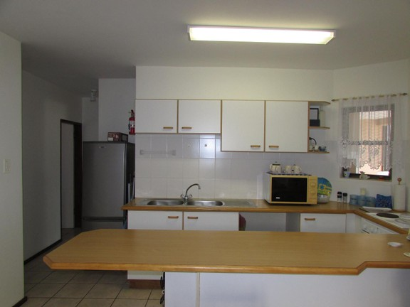 Condominium in Shelly Beach - 002_Kitchen_59eBaRJ.JPG