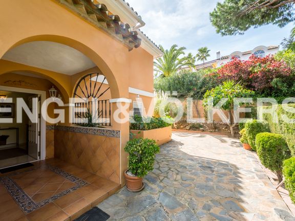 House in Elviria - Villa in Elviria