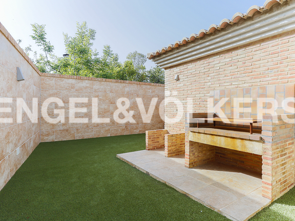 House in Valencia surroundings - Barbecue