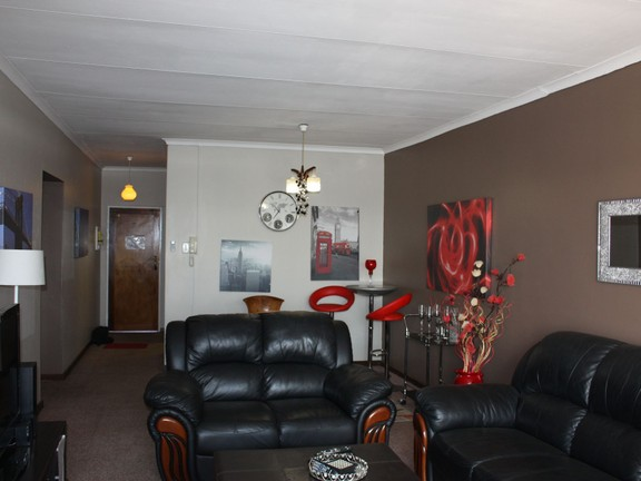 Apartment in Central - IMG_4405.JPG