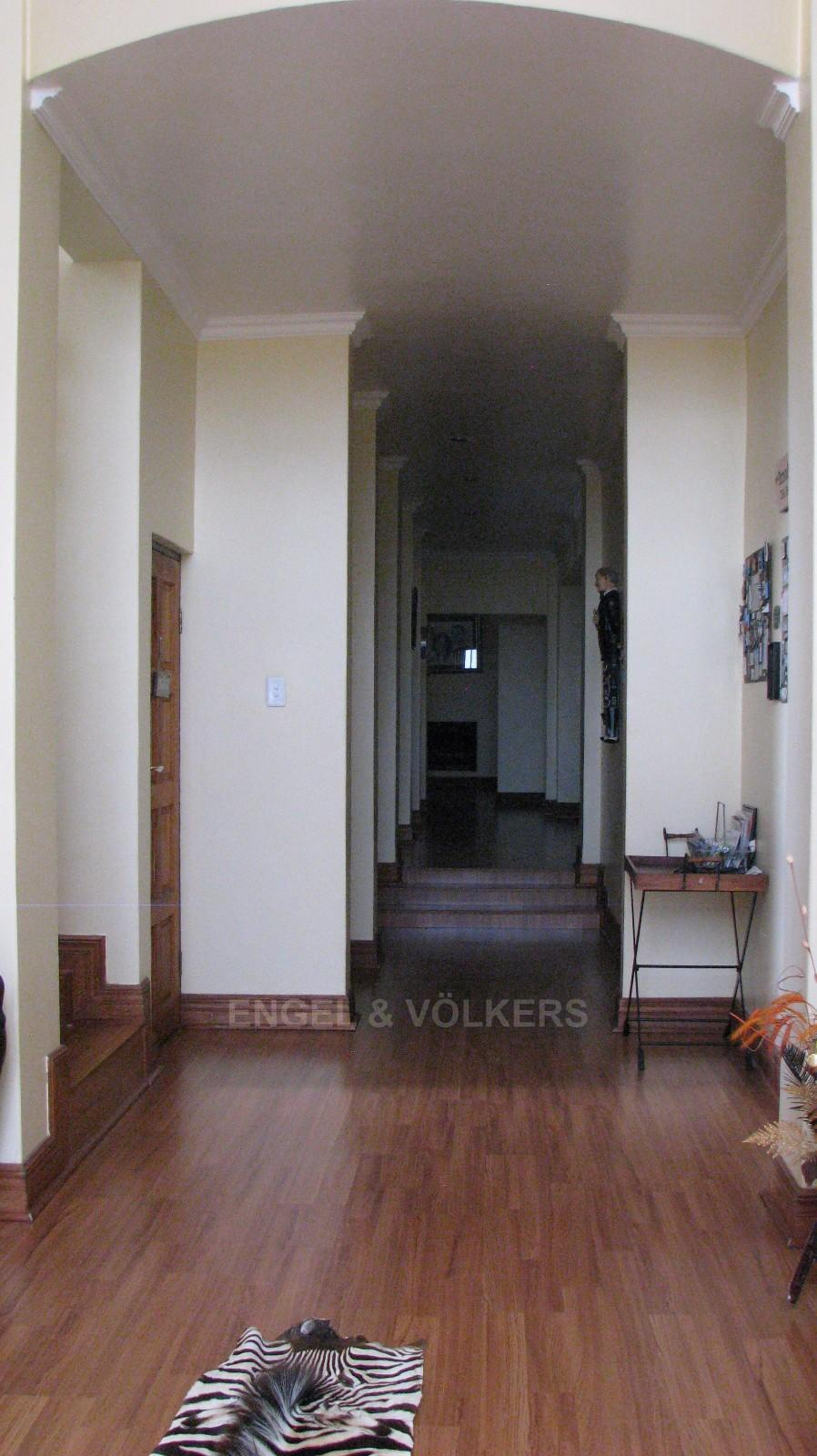 House in Melodie A/h - Wooden floors with high arch ceilings