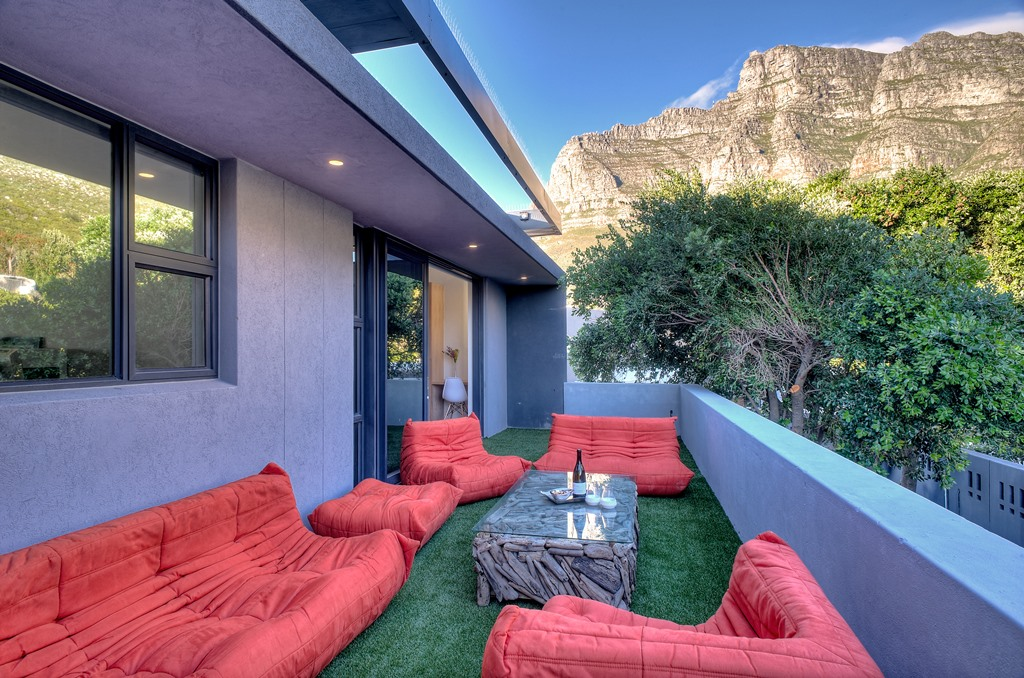 House in Camps Bay - Penthouse Mountain side.jpg