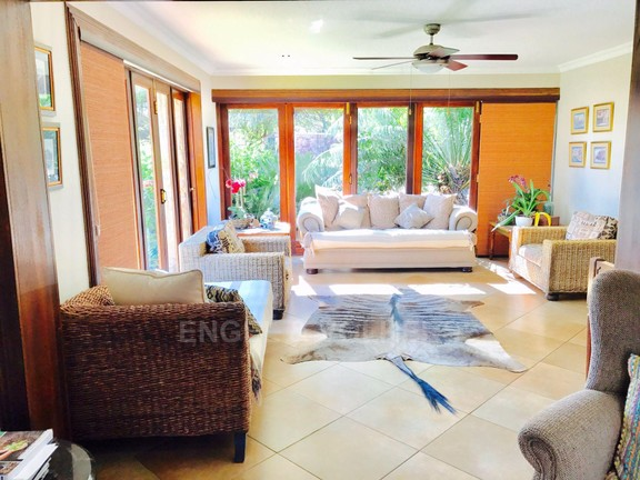 House in Melodie - Sun room, lounge.jpg