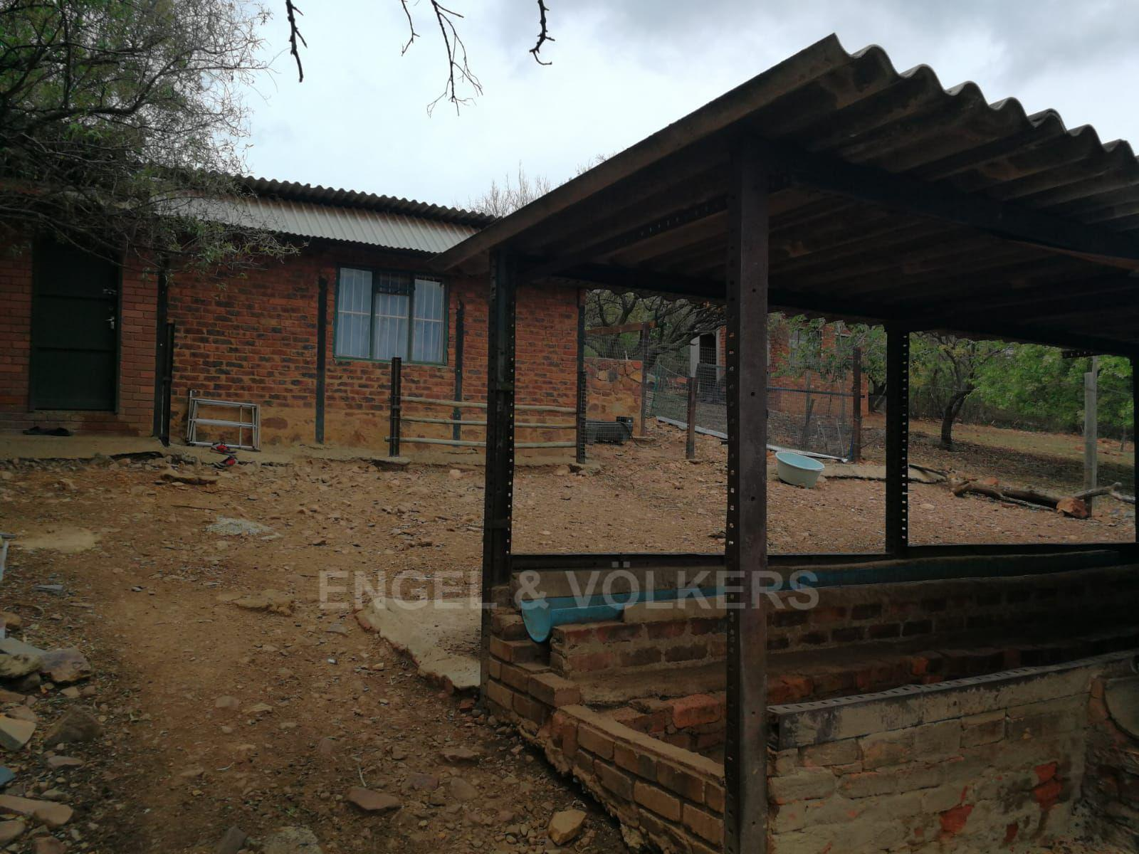 Land in Hartbeespoort Dam Area - Workers quarters