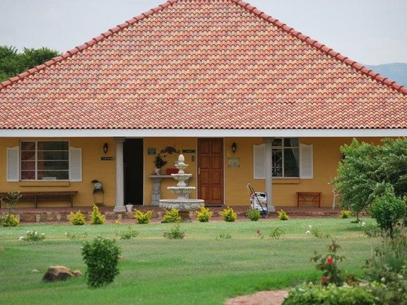 Hotel in Parys - well maintained buidlings.jpg