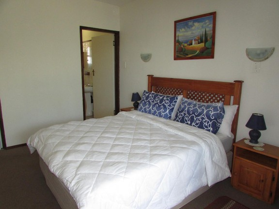 Condominium in Shelly Beach - 005_Main_Bedroom_EGzW4CJ.JPG