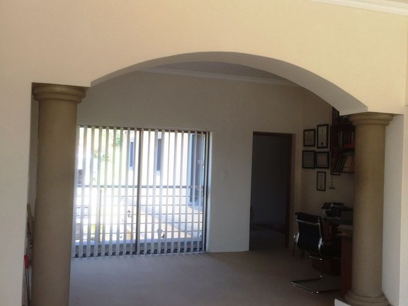 House in Silver Lakes Golf Estate - study