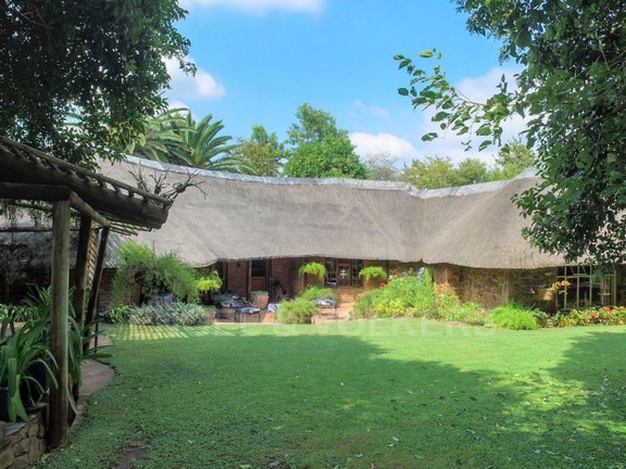 Land in Hartbeespoort Dam Area - Front of house