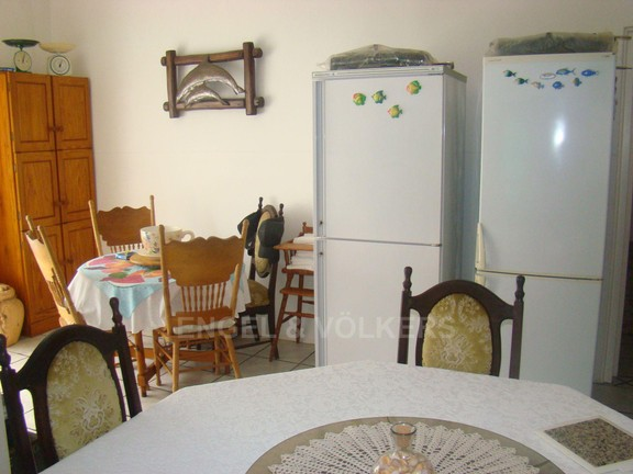 House in Marina Beach - 004 - Kitchen and Dinnette.JPG