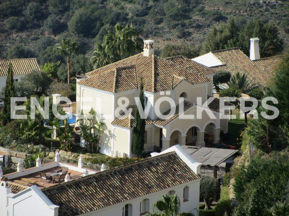 House in Golden Mile - Villa for sale in Sierra Blanca Country Club