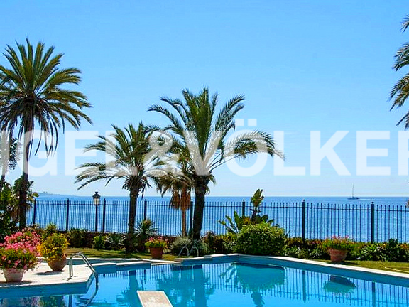 House in Beach Side Golden Mile - Pool & Sea View