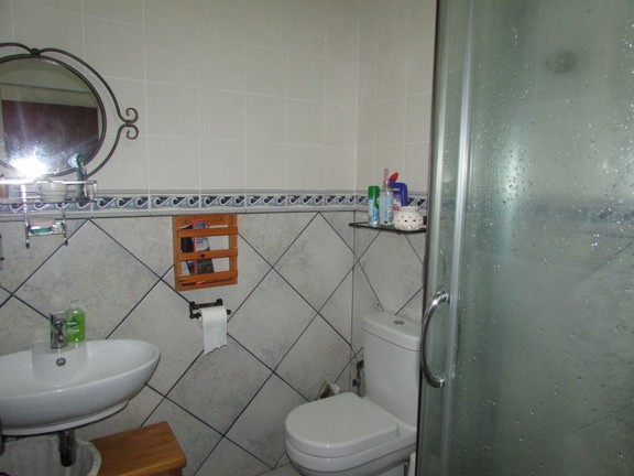Apartment in Uvongo - 006_mes.JPG