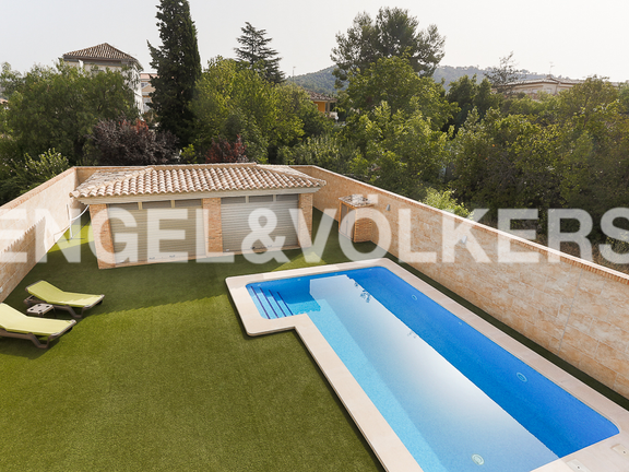 House in Valencia surroundings - View from first floor terrace