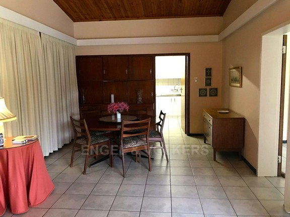 House in Waterkloof Ridge - Dining area