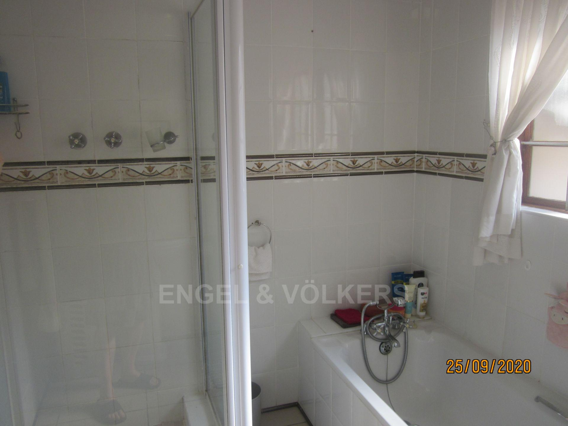 Apartment in Shelly Beach - MES bath and shower