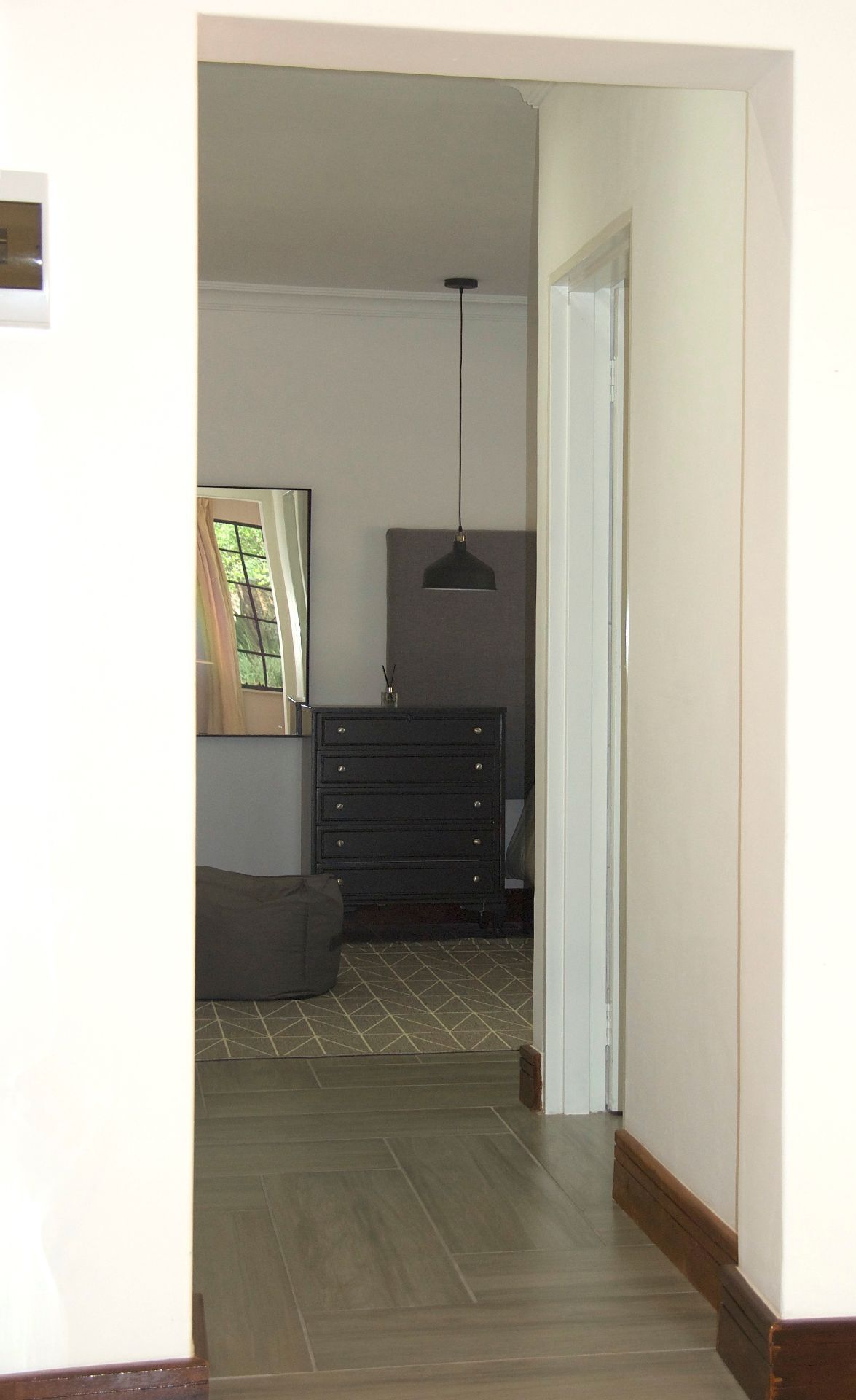 House in Chartwell - East passage.jpg