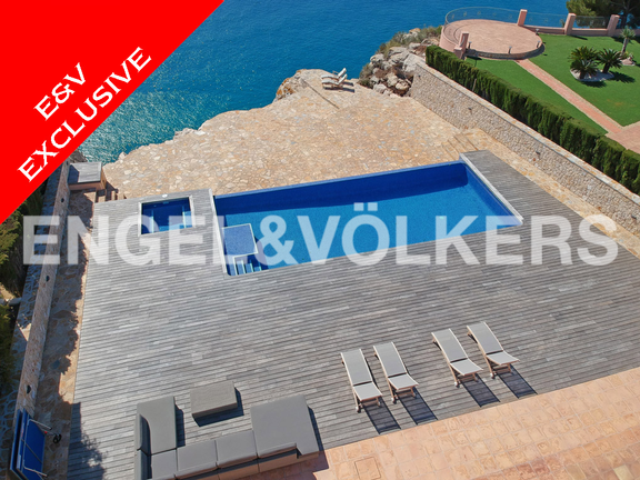High Quality First Line Luxury Villa in Cumbre del Sol, Terrace