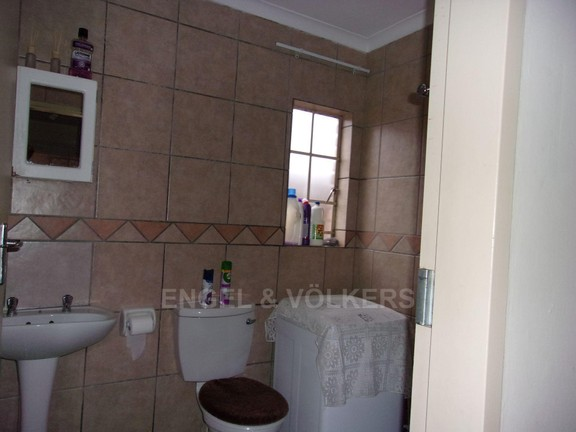 Apartment in Vorna Valley - Bathroom