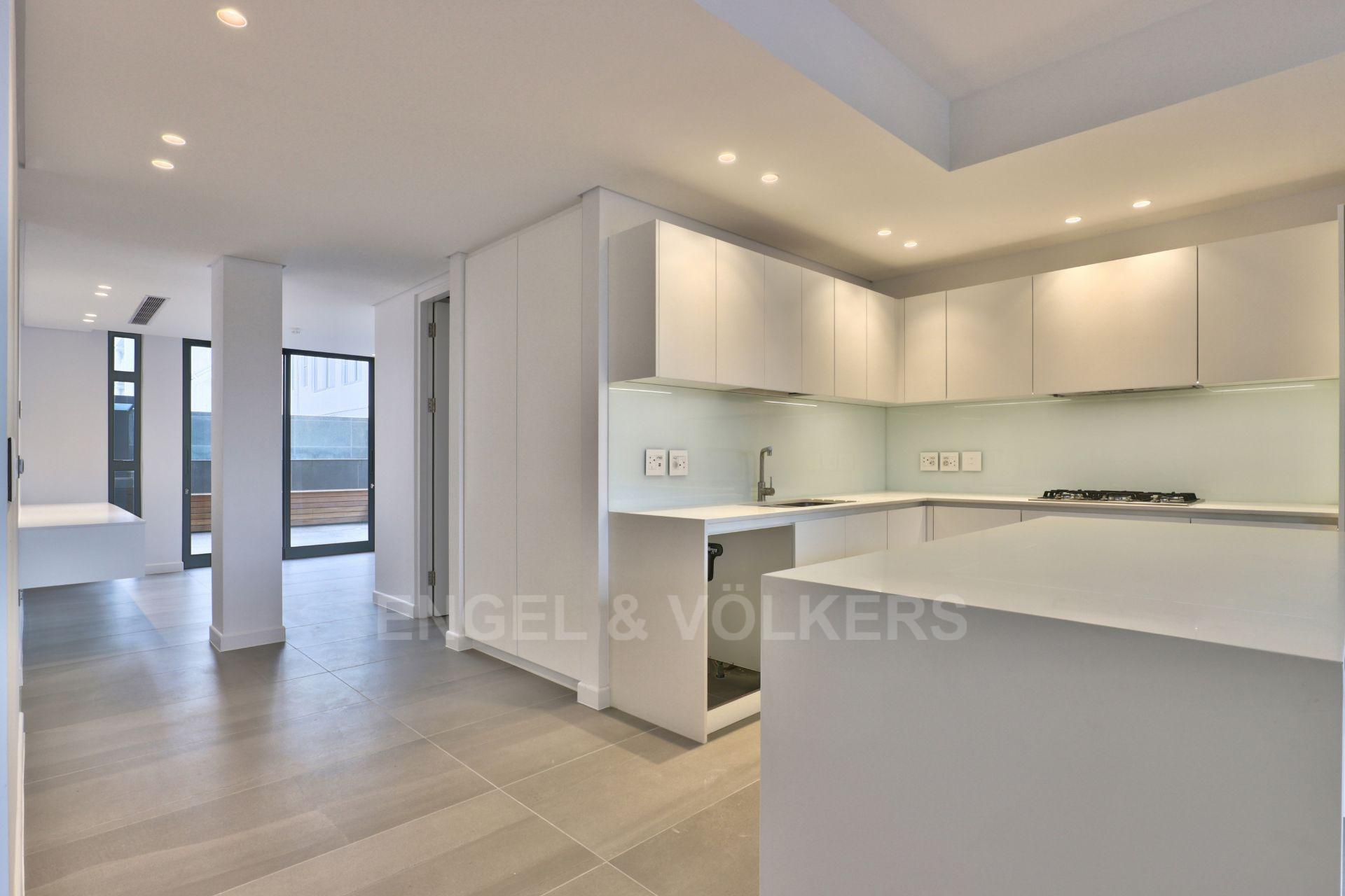 Apartment in Green Point - Kitchen area leading to study/office/3rd bedroom