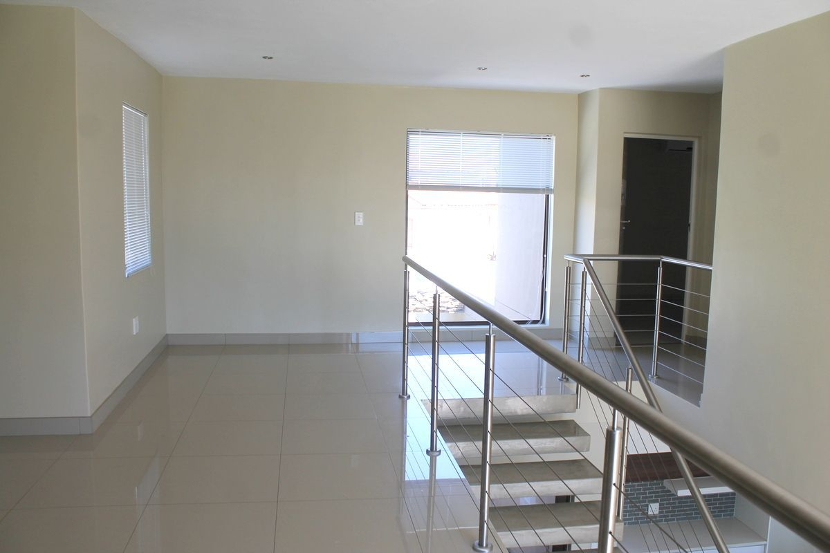 House in Silver Woods Estate - Spacious upstairs landing