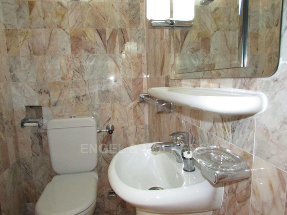 Apartment in Uvongo - 015 Guest Toilet.JPG