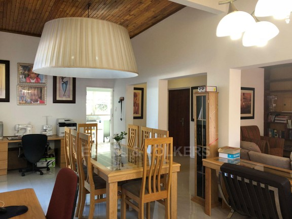 House in Doringkloof - Dining room a.JPG