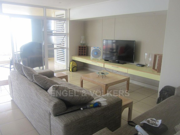 Apartment in Margate - 004 Lounge.JPG