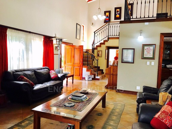 House in Melodie - Guest Lounge.jpg