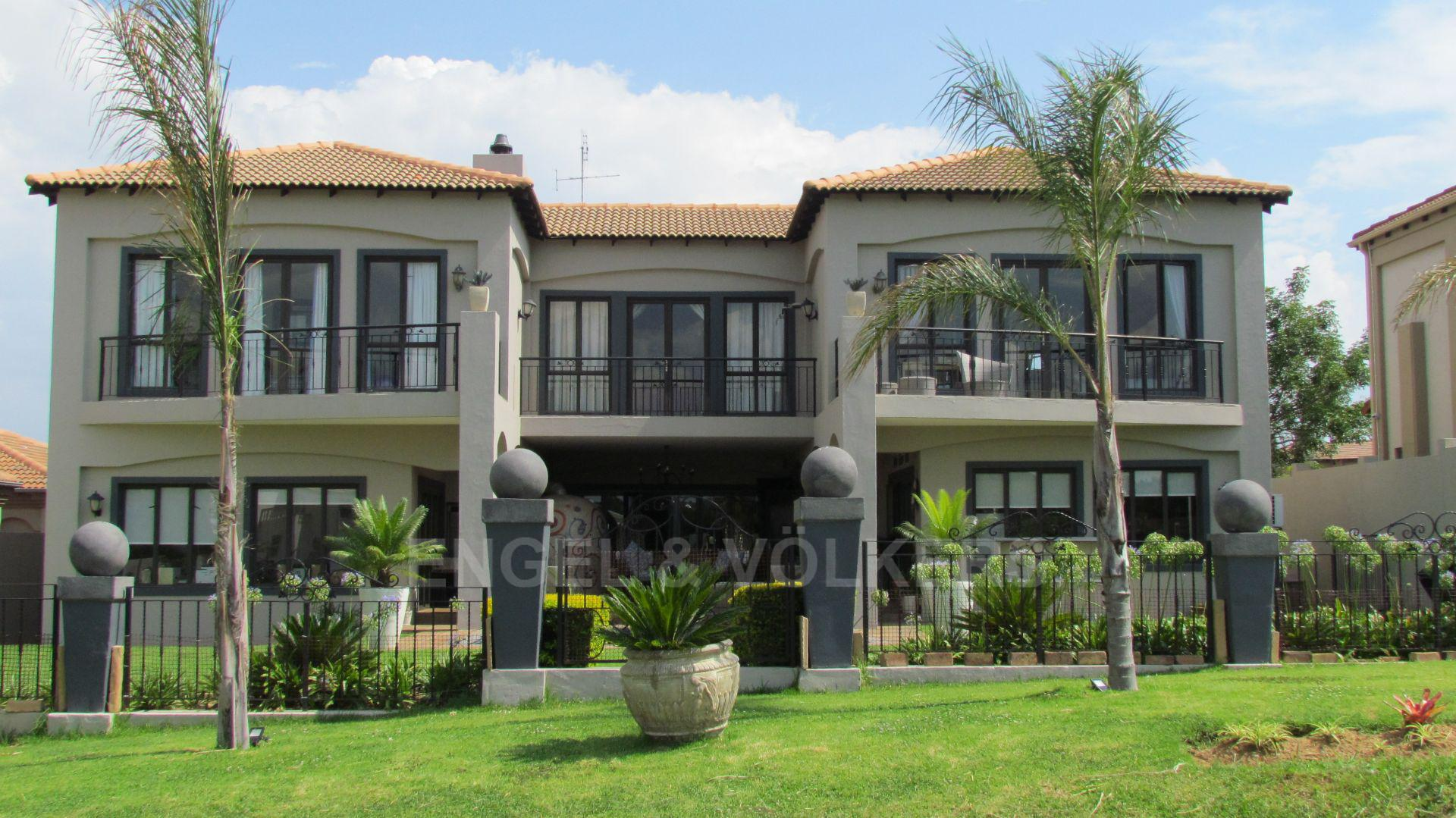 House in Blue Valley Golf Estate