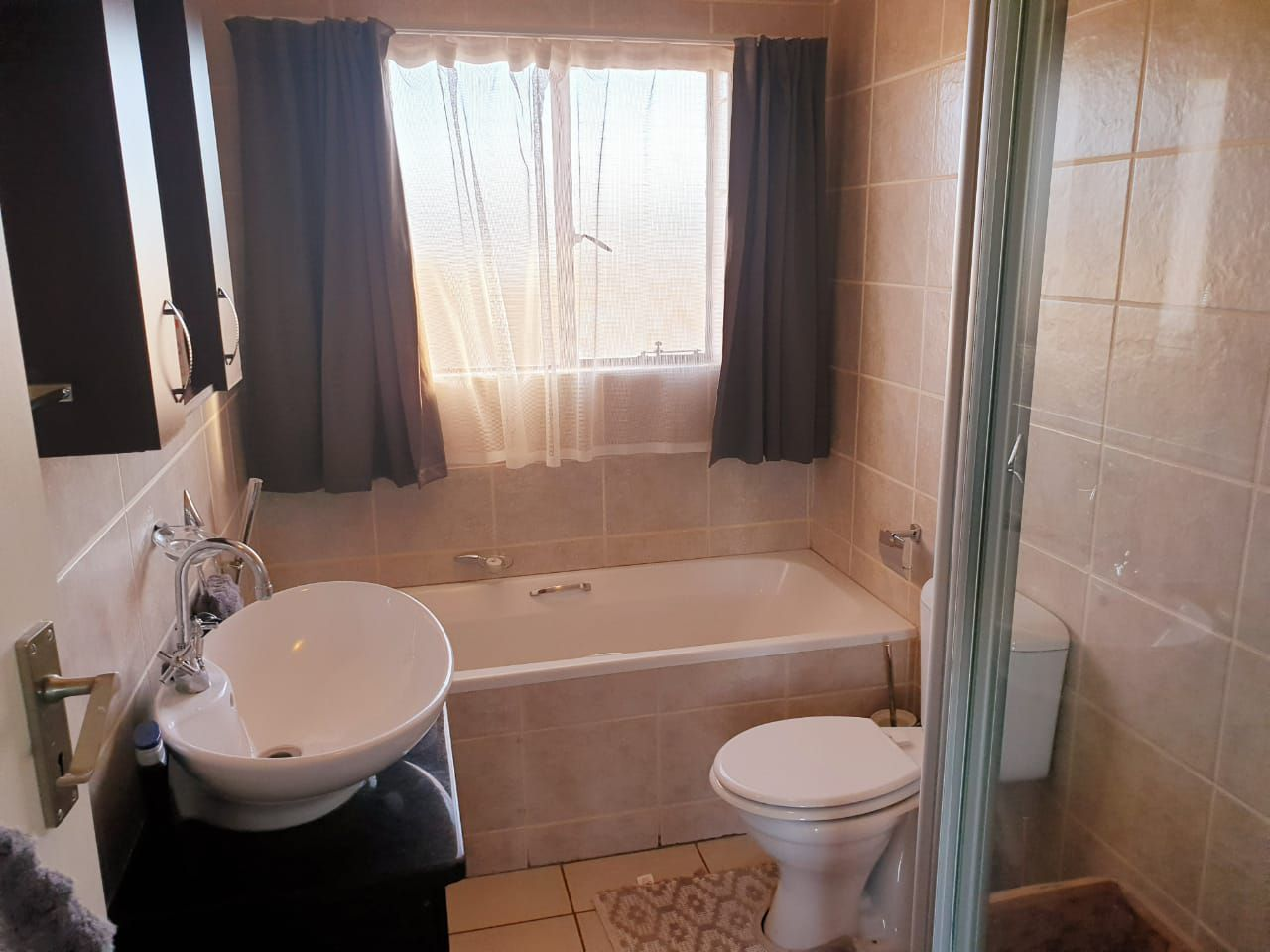 Apartment in Bailliepark - WhatsApp Image 2019-06-13 at 16.59.35 (1).jpeg